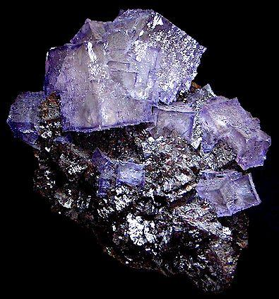 Fluorite on Sphalerite  Elmwood Mine Middle Tennessee District Carthage Smith County, Tennessee United States of America  13.0 x 9.5 cm overall 3.3 cm xtal (Author: GneissWare)