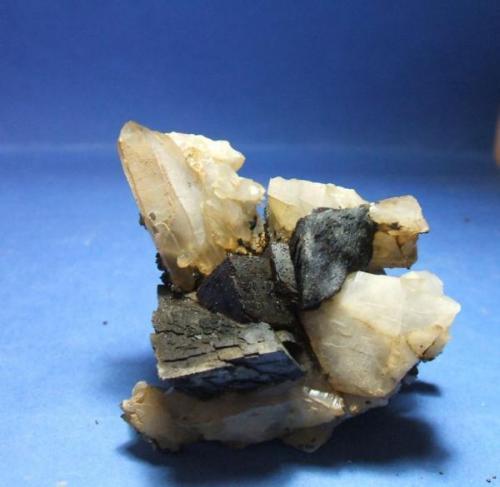 Siderita cuarzo pieza de 6x6cm cristal de cuarzo de 4cm y de siderita de 2cm de arista, Capileira alpujarras Granada.jpg (Autor: Nieves)