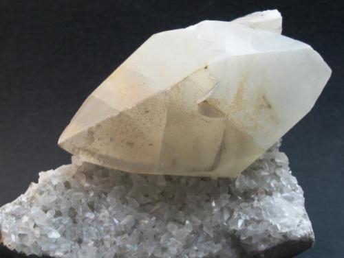 Calcita. Cantabria. Tamaño del cristal de Calcita 8x4 cm. (Autor: Jose Luis Otero)