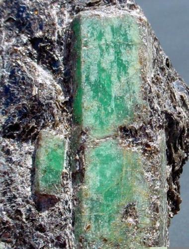 ESMERALDA Franqueira-La Cañiza-Pontevedra. Pieza de 10,7x6,3cm. Cristal de 6cm. (Autor: DAni)