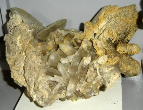 Cuarzo phantom (drusa de 40 x 30 x 20 cm). Origen desconocido (Autor: Anisio Claudio)
