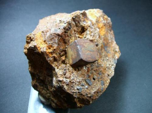 Pirita limonitizada mia Buenavista Mijas Málaga, pieza 8x6cm cristal 2x2cm (Autor: Nieves)