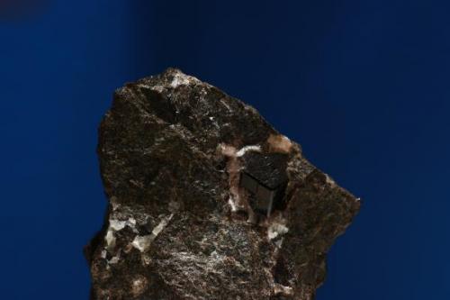 Granate. Minas de Cala, Cala, Huelva, Andalucía, España. Tamaño cristal 1,3x1,2x1,2 cm. (Autor: Inma)
