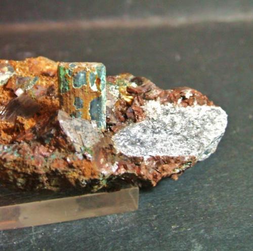 Calcostibita minas de Lanteira Lanteira Granada , pieza 6x4cm cristal 1´5x0´8cm (Autor: Nieves)