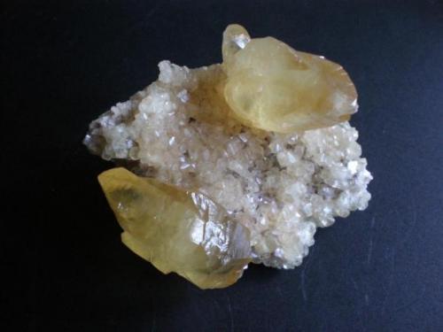 Calcita Cantera de Candesa en Camargo Cantabria cristales 4cm.JPG (Autor: PabloR)