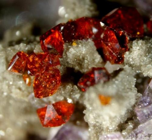 ESFALERITA, FLUORITA Bluffton Stone Co. Quarry, Bluffton, Richland Township, Allen Co., Ohio, USA (Autor: Marc C)