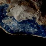 Ágata azul, Brasil. (¿teñida?). Rompí un trozo de la parte posterior de la pieza y el color era el mismo. ¿Qué opinais? (Autor: Javier Garcia Canals)