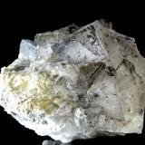 FLUORITA con inclusiones. Mina Emilio-El Fito-Loroñe-Asturias. Pieza de 12x9,5cm. Cristal mayor 4x2,9cm. (Autor: DAni)