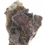Axinita y Epidota - Barranc de les Collades - Casterner de les Olles - Tremp - Pallars Jussà - LLeida - Catalunya - España - 6,1 x 4,3 x 3,8 (Autor: Martí Rafel)