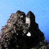 Allanita. Mina Nueva Vizcaya, Burguillos del Cerro, Badajoz, España. Cristal de 1,8 cm. Col. y Fot. Nacho Gaspar. (Autor: Nacho)