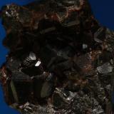 Granates. Minas de Cala, Cala, Huelva, Andalucía, España. Cristal mayor 1,6x1,6x1,6 cm. (Autor: Inma)