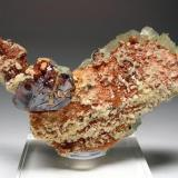 2464-Esfalerita con calcita, mina Troya, Mutiloa, Guipúzcoa, 8,8x5x2,8 cm. (Autor: Edelmin)