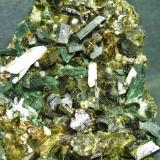 Epidota minas de Cala Huelva, pieza 8x6cm cristales 2cm (Autor: Nieves)