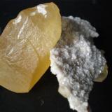 Calcita Cantera de Candesa en Camargo Cantabria cristal 5cm (Autor: PabloR)