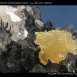 Inclusiones de Goethita en Cuarzo + Calcita. Procedencia: Bou Tazoult. Marruecos. (Autor: Juan de Laureano)