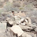 Grupo donde se encontraba la roca que contenia las fisuras con la Aegirina. (Autor: Jose Bello)