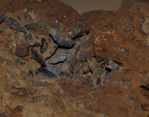 Siderita<br />Minas de hierro de Ojos Negros, Ojos Negros, Comarca Jiloca, Teruel, Aragón, España<br />6cm x 3cm<br /> (Autor: DPC)