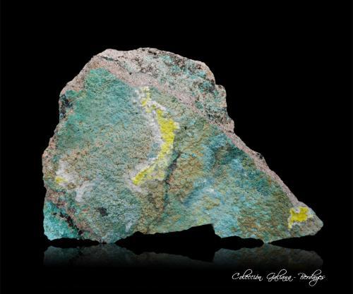 Furcalita<br />Mina Posey, Distrito White Canyon, San Juan Co., Utah, USA<br />106 x 75 x 26 mm.<br /> (Autor: Rafael Galiana)