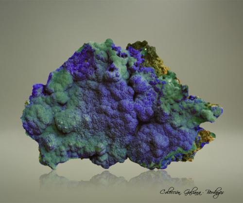 Azurita<br />Mina Copper Queen, Queen Hill, Bisbee, Distrito Warren, Montes Mule, Condado Cochise, Arizona, USA<br />83 x 55 x 10 mm.<br /> (Autor: Rafael Galiana)