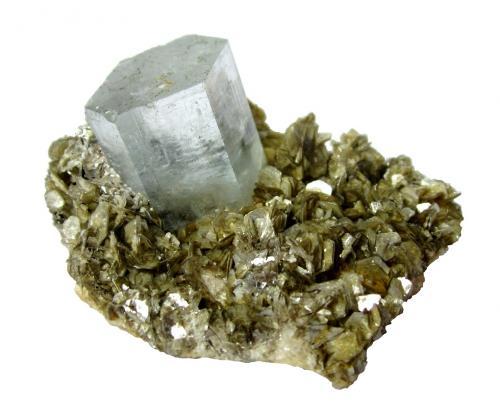 Aquamarine, Muscovite<br />Nagar, Hunza Valley, Nagar District, Gilgit-Baltistan (Northern Areas), Pakistan<br />Specimen size 6 cm, aqua crystal 2,4 cm<br /> (Author: Tobi)