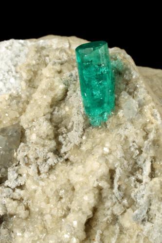Beryl (variety emerald), Albite (variety cleavelandite), Dolomite, Pyrite<br />Chivor mining district, Municipio Chivor, Eastern Emerald Belt, Boyacá Department, Colombia<br />58x28x42mm, xl=11x4.5mm<br /> (Author: Fiebre Verde)