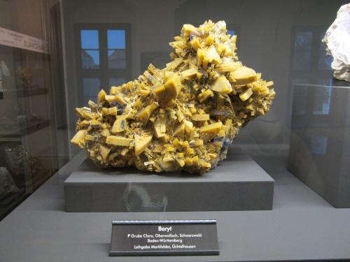Barite<br />Clara Mine, Rankach Valley, Oberwolfach, Wolfach, Black Forest, Baden-Württemberg, Germany<br />~ 25 cm<br /> (Author: Tobi)