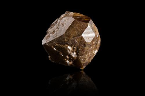 Anatase with Magnetite<br />Zona Alp Lercheltini, Valle Binn (Binntal), Wallis (Valais), Suiza<br />2,0x2,5x3,5cm<br /> (Author: MIM Museum)