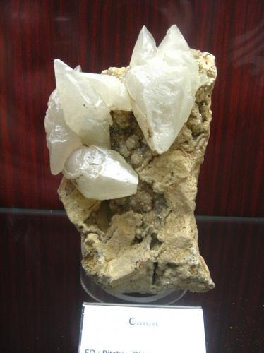 Calcite<br />Picher Field, Tri-State District, Ottawa County, Oklahoma, USA<br />~ 15 cm<br /> (Author: Tobi)