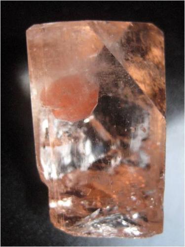 Spessartina (Espesartina), Topacio<br />Paquistán<br />4.5 cm<br /> (Autor: marco campos-venuti)