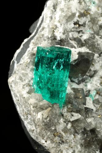 Beryl (variety emerald), Albite (variety cleavelandite), Dolomite, Pyrite<br />Chivor mining district, El Oriente Mine, Municipio Chivor, Eastern Emerald Belt, Boyacá Department, Colombia<br />52x54x30mm, xls=18 & 16mm<br /> (Author: Fiebre Verde)