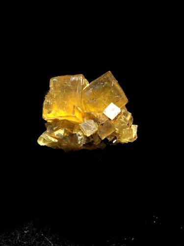 Fluorita<br />Ulldemolins, Comarca Priorat, Tarragona, Catalunya, España<br />3x2cm<br /> (Autor: Obsi)