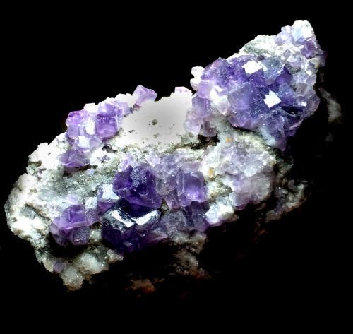 Fluorita<br />Zona minera de Berbes, Berbes, Ribadesella, Comarca Oriente, Asturias, Principado de Asturias, España<br />11x8cm<br /> (Autor: Obsi)