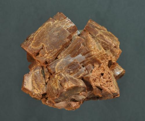 Vanadinita (variedad endlichita)<br />Mibladen (Distrito minero Mibladen), Midelt, Provincia Midelt, Región Drâa-Tafilalet, Marruecos<br />3 x 3 cm<br /> (Autor: Ricardo Fimia)