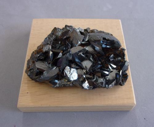 Hematites<br />Rio Marina, Isla de Elba, Provincia Livorno, Toscana, Italia<br />7,6 x 5 x 2,5 cm<br /> (Autor: J. G. Alcolea)