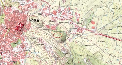 Edición más reciente del Mapa Topográfico Nacional del IGN, sobre el que figura la situación (según IGME) de una explotación de cuarcita abandonada. © Instituto Geográfico Nacional (Autor: Inma)