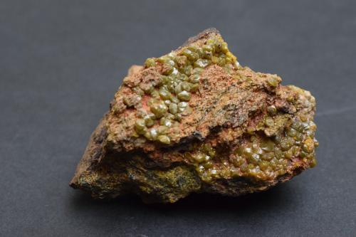 Mimetita (variedad campyllita)<br />Corta Filón Sur, Minas de Tharsis, Tharsis, Alosno, Comarca El Andévalo, Huelva, Andalucía, España<br />6 x 4 x 3 cm<br /> (Autor: Antonio Alcaide)