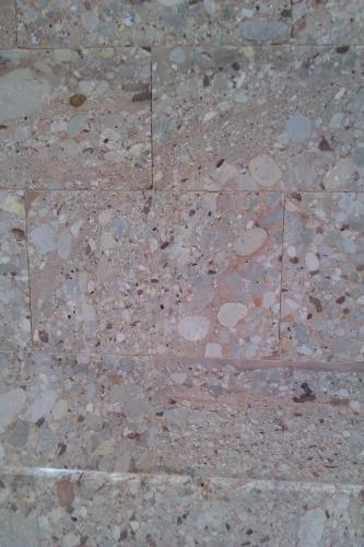 Algunas de les paredes del Monasterio de Montserrat están hechas con bloques tallados del conglomerado. (Autor: Frederic Varela)