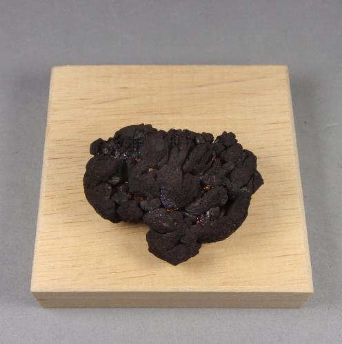 Calcosina<br />Mina Flambeau, nivel 1000, Ladysmith, Condado Rusk, Wisconsin, USA<br />4 x 3 x 1,5 cm.<br /> (Autor: J. G. Alcolea)