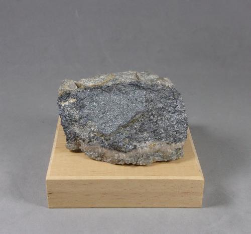 Scainiite (Escainiita)<br />Mina Ludovít, Filón Strieborná, Dúbrava, Liptovský Mikuláš, Region Žilina, Eslovaquia<br />5,5 x 3 x 3 cm.<br /> (Autor: J. G. Alcolea)