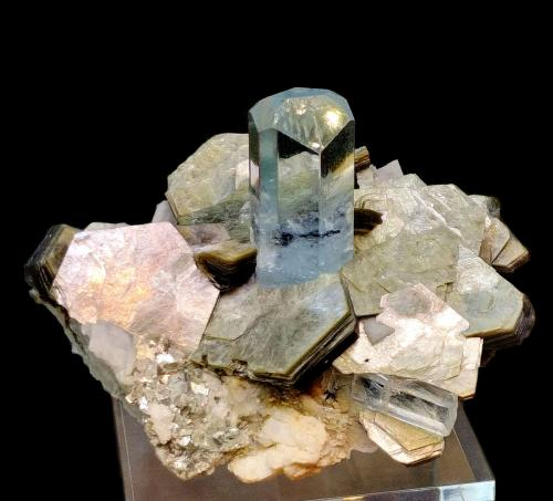 Beryl, Muscovite<br />Shigar Valley, Shigar District, Gilgit-Baltistan (Northern Areas), Pakistan<br />100mm x 88mm x 76mm; main beryl crystal: 38mm tall (visible part) and 20mm wide<br /> (Author: Carles Millan)