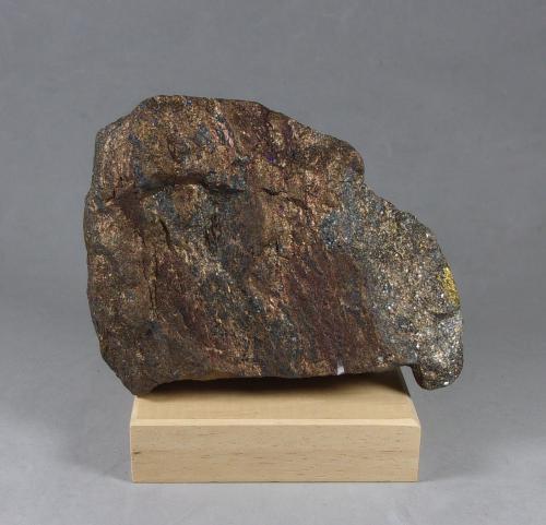 Germanita y Renierita<br />Mina Tsumeb, Tsumeb, Región Otjikoto, Namibia<br />8,5 x 6,5 x 3,3 cm.<br /> (Autor: J. G. Alcolea)