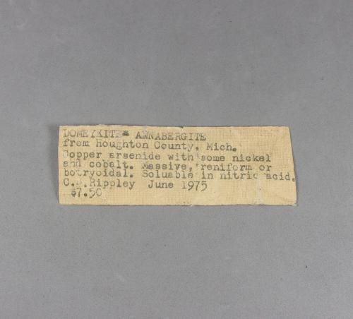 _Domeykita, etiqueta/ficha original.<br />Condado Houghton, Michigan, USA<br />8,1 x 3,2 x 3 cm.<br /> (Autor: J. G. Alcolea)