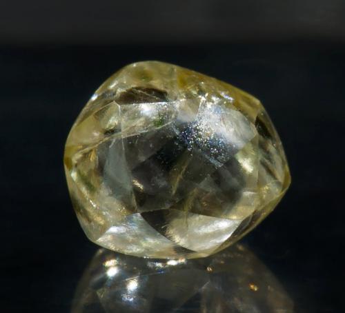Diamante<br />Concesión Areinha, Río Jequitinhonha, Diamantina, Jequitinhonha, Minas Gerais, Brasil<br /><br /> (Autor: Jordi Fabre)