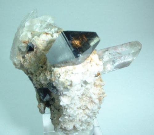 Anatase, quartz Zard Mts., Raskoh Mts., Balochistan, Pakistan 43 mm x 35 mm (Author: Carles Millan)
