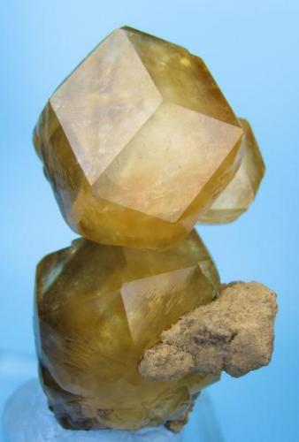 Calcite Berry Materials Corp quarry, North Vernon Plant, NE edge of North Vernon, Jennings Co., Indiana, USA 70 mm x 40 mm x 35 mm  Full view (Author: Carles Millan)