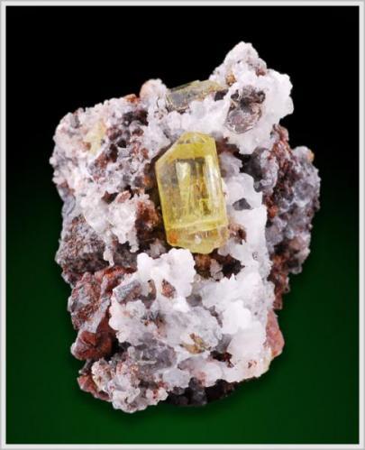 Apatite - Cerro de Mercado Mine, Durango, Mexiko 4.9 x 3.5 x 3.1 cm Crystalsize 1.5cm (Author: jaysminerals)