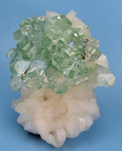 Apophyllite, stilbite Jalgaon District, Maharashtra, India 66 mm x 56 mm (Author: Carles Millan)