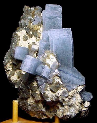 Celestine and Calcite on Limestone  Newport Quarry (?) Newport Monroe County, Michigan United States of America  16.5 x 11.0 cm overall (Author: GneissWare)