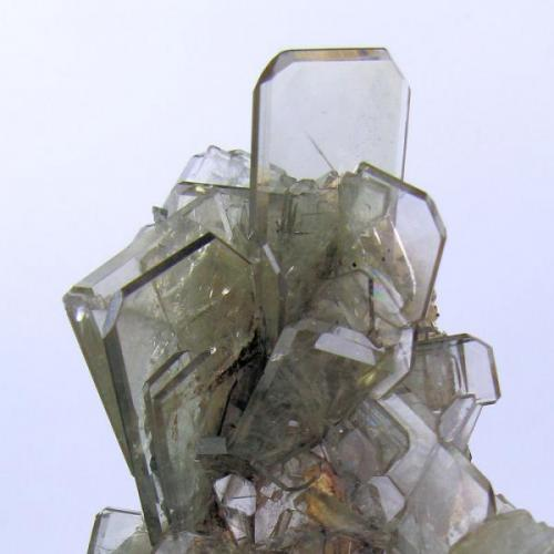 Baryte Cerro Huarihuyn, Miraflores, Huamalíes Province, Huánuco Department, Peru 102 mm x 56 mm. Main crystal: 30 mm x 23 mm  Close up view (Author: Carles Millan)