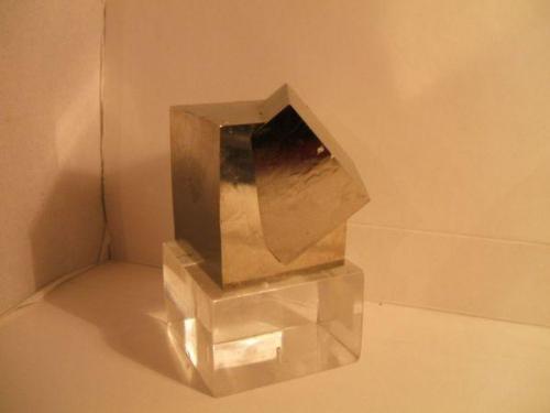 pirita navajun la rioja cristal de 6x6cm.jpg (Autor: Nieves)